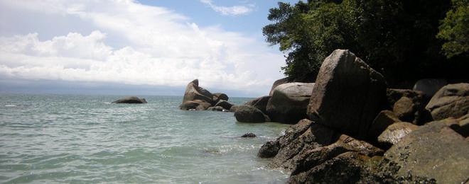 Rocks_on_Sea.jpg